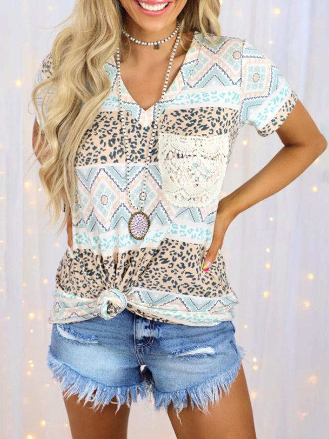 Leopard stitching graphic print V-neck T-shirt