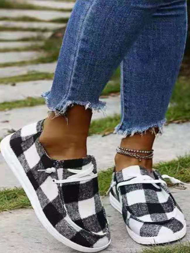 printed skate shoes