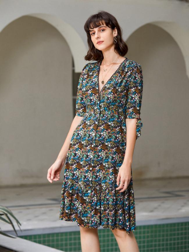 Floral Lace Half Sleeve V-neck Dress