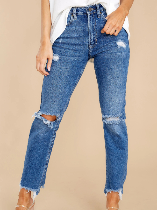 Ripped Frayed Ankle Jeans